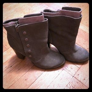 Zigigirl Gray booties with Zipper and Buttons